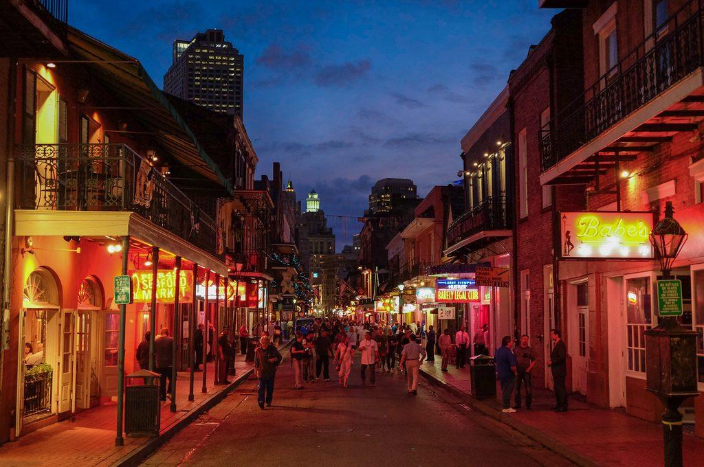New Orleans hook up bars